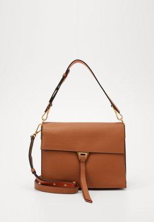LOUISE - Handbag - caramel/ginger