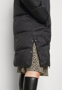 Vero Moda Curve - VMUPSALA LONG JACKET  - Winter coat - black - 4