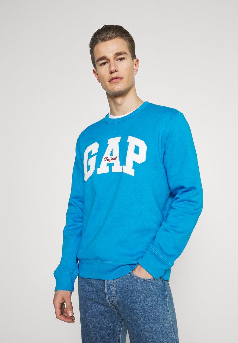 GAP - ORIGINAL ARCH CREW - Sweatshirt - arctic blue