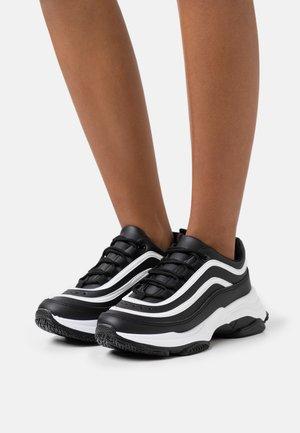 VEGAN LIZZIES - Zapatillas - black/white