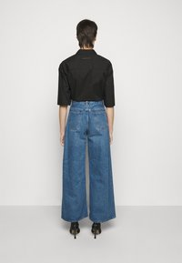 MM6 Maison Margiela - Široké džíny - blue denim - 2