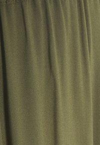 Vero Moda - VMSIMPLY EASY SKIRT - Maxi sukně - ivy green - 2