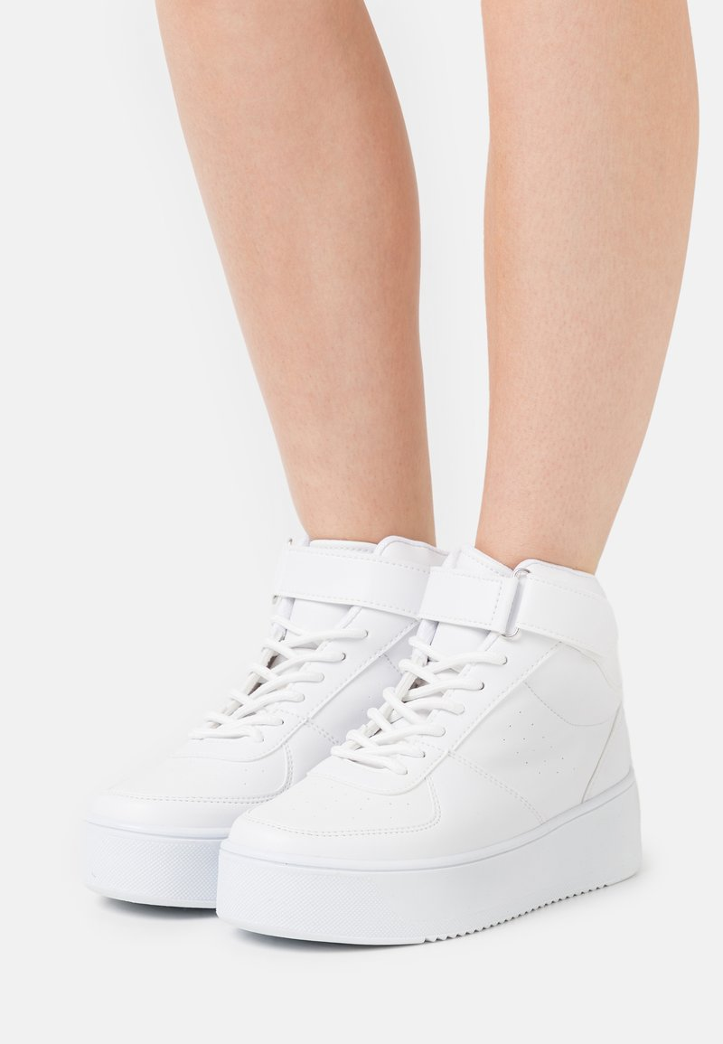 Nly by Nelly - HIGH TOP CLASSIC TRAINER - Korkeavartiset tennarit - white
