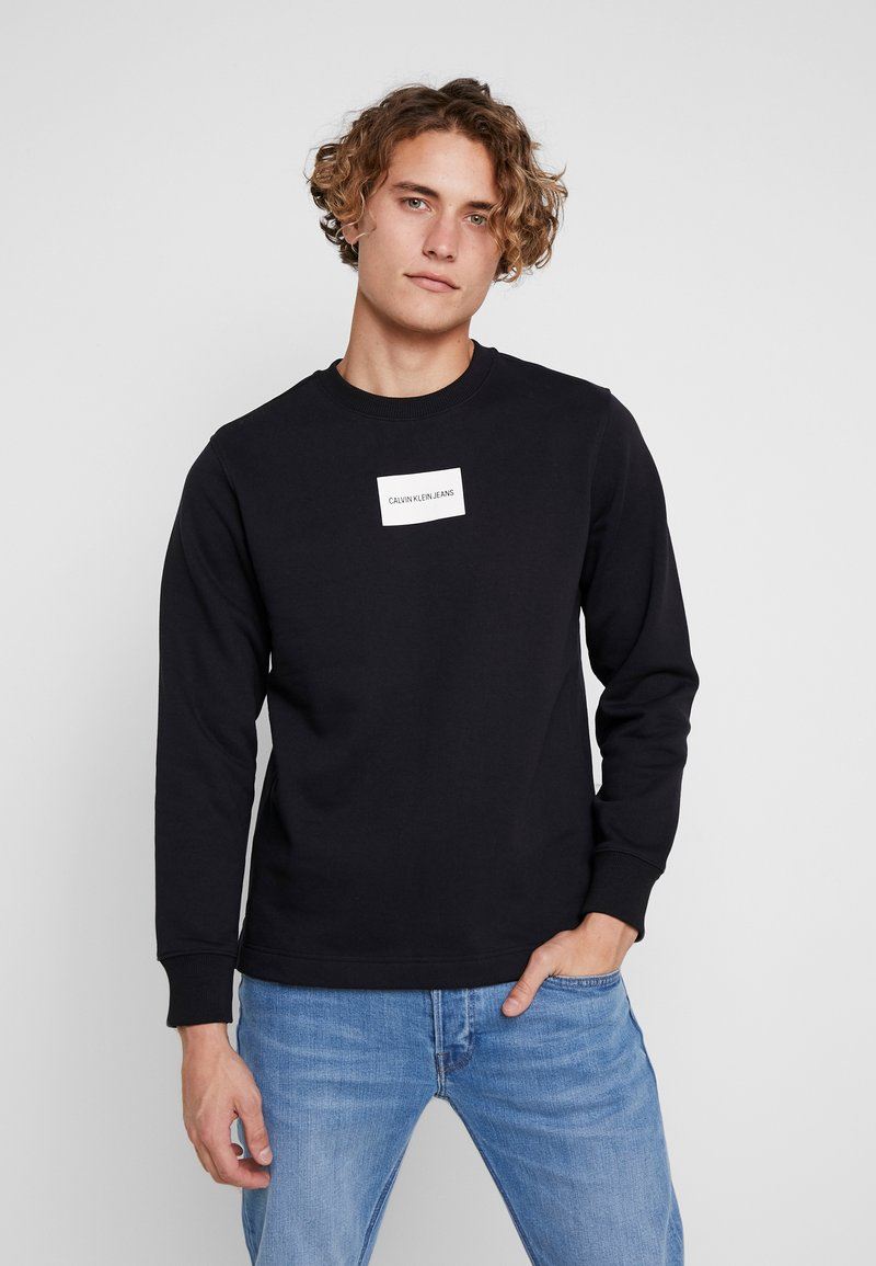 Calvin Klein Jeans - SMALL INSTIT BOX REGULAR - Felpa - black