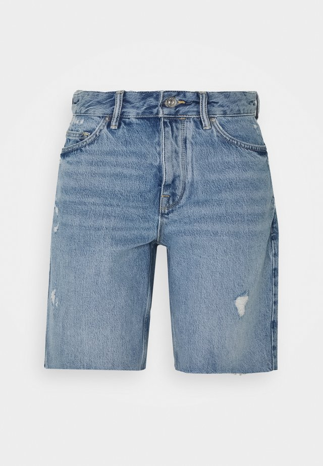 BARRY LONG SHORTS - Jeans Short / cowboy shorts - light indigo