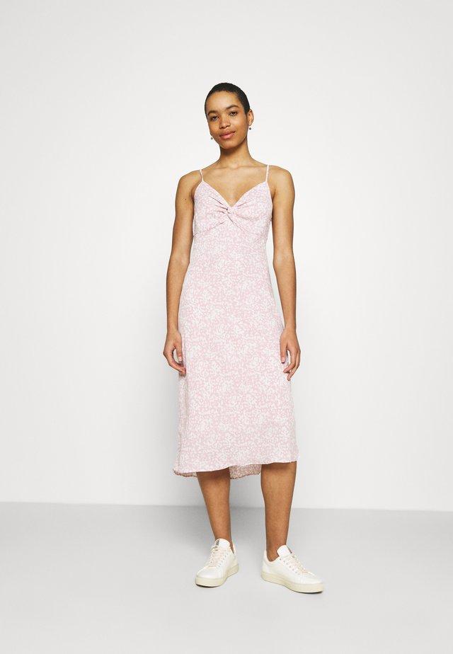 NECK SLIP MIDI DRESS - Korte jurk - rose