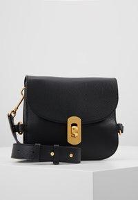 Coccinelle - ZANIAH SQUARE - Across body bag - noir - 0