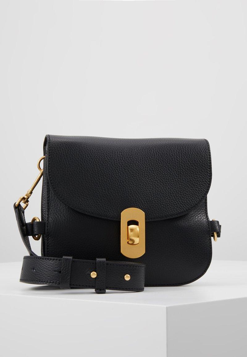 Coccinelle - ZANIAH SQUARE - Across body bag - noir