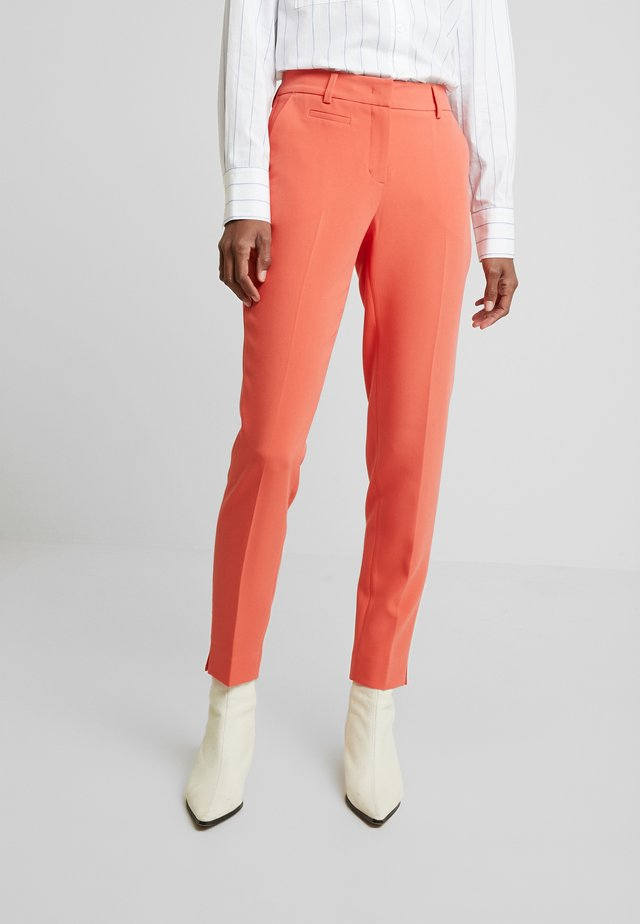 MARTA - Pantalon classique - fresh coral