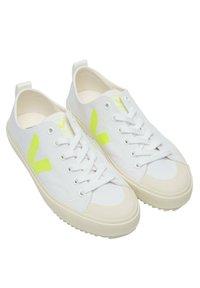 Veja - Trainers - white jaune fluo - 2