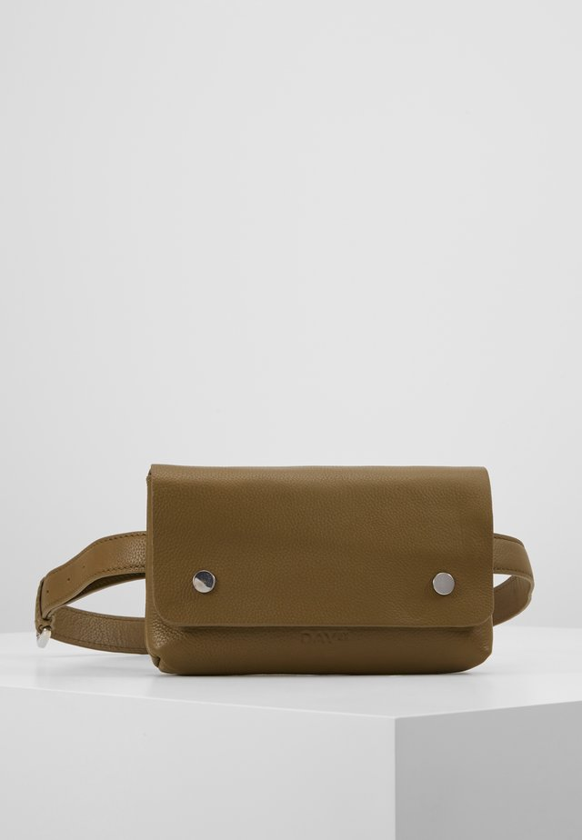 ADDITION BELT BAG - Rumpetaske - fir green