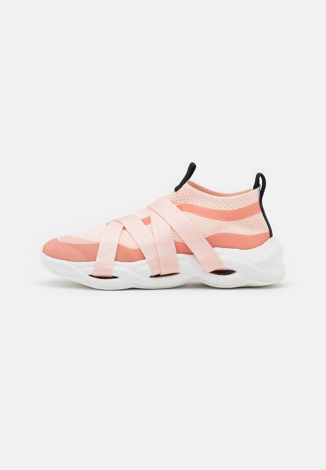 RUBAN - Sneakers laag - iconic