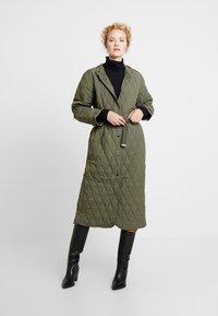 InWear - GURLI COAT - Zimní kabát - beetle green - 1