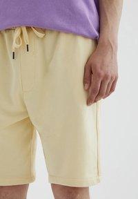 PULL&BEAR - Shorts - yellow - 4