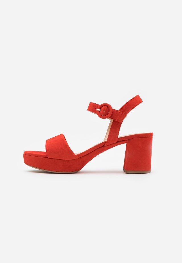 NENES - Platform sandals - corallo
