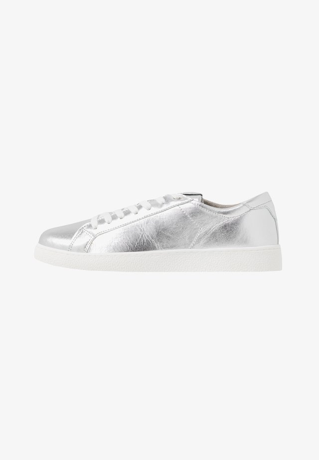 LACE UP - Baskets basses - silver