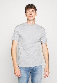 Newport Bay Sailing Club - MULTI TEE MARLS 7 PACK - Basic T-shirt - black/white/grey/blue - 4