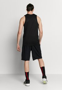 Nike Performance - DRY SHORT - Träningsshorts - black/white - 2