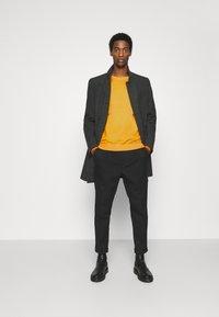 Pier One - Sweatshirt - yellow - 1