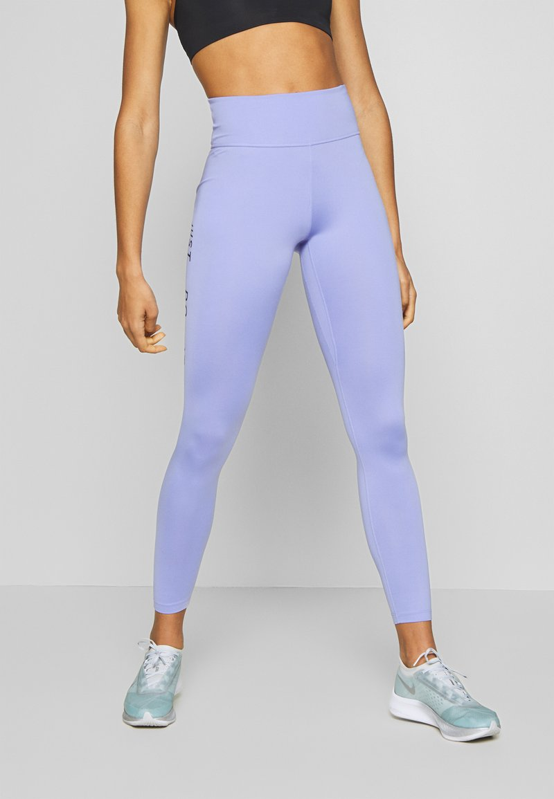 Nike Performance - SWOOSH-RUNNING TIGHT  - Leggings - light thistle