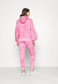 Ellesse - FLUO - Hoodie - pink - 2