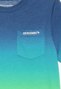 Abercrombie & Fitch - PATTERN - Print T-shirt - blue - 3