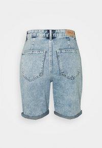 ONLY - ONLFUTURE LIFE - Denim shorts - light blue denim - 1