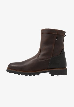 Winter boots - dark brown