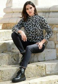 Alba Moda - Sweatshirt - grau,schwarz - 3