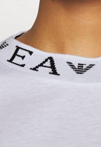 Emporio Armani - Basic T-shirt - white - 5