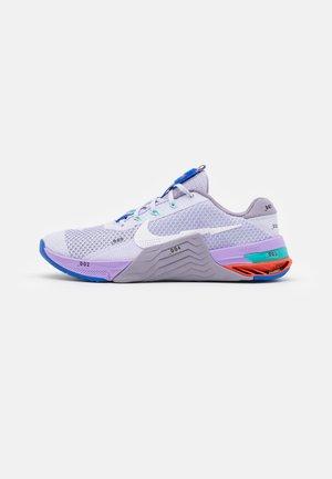 METCON 7 - Sportschoenen - pure violet/white/violet haze/lilac/team orange/racer blue