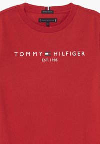 Tommy Hilfiger - ESSENTIAL LOGO UNISEX - T-shirt print - red - 2