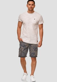 INDICODE JEANS - ALBERT - Shorts - light gray - 1
