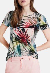Taifun - Print T-shirt - biscuit gemustert - 3