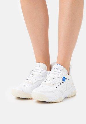 DELTA 2 - Sneakers basse - white/black/sail/pure platinum