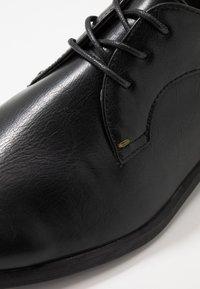 Burton Menswear London - SOURCE FORMAL DERBY - Business sko - black - 5