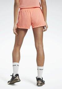 Reebok - WORKOUT READY SHORTS - Pantalón corto de deporte - red - 2