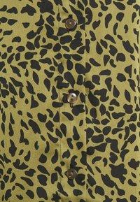 Pieces Maternity - PCMDANNI SHIRT DRESS - Shirt dress - black/olive - 5