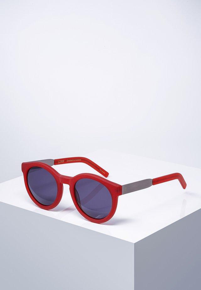 COMPTON - Solbriller - mat.red