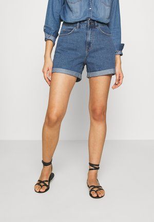 VMNINETEEN LOOSE MIX NOOS - Denim shorts - medium blue denim