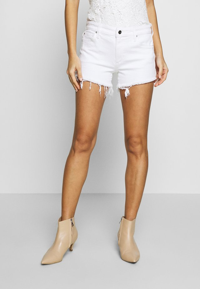 THE OZZIE - Shorts di jeans - white