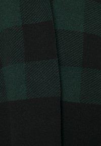 Belstaff - BLANKET CHECK - Cape - black/pine - 2