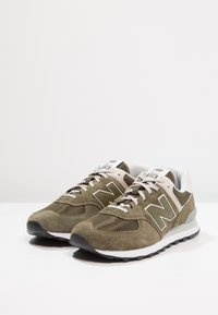 New Balance - ML574 - Sneakers - olive - 2