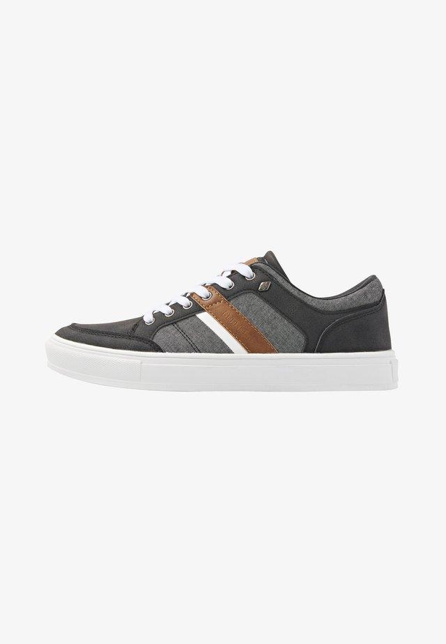 Chaussures de skate - black