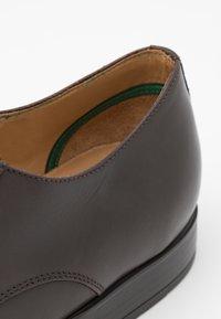 PS Paul Smith - DANIEL - Elegantní šněrovací boty - chocolate - 5