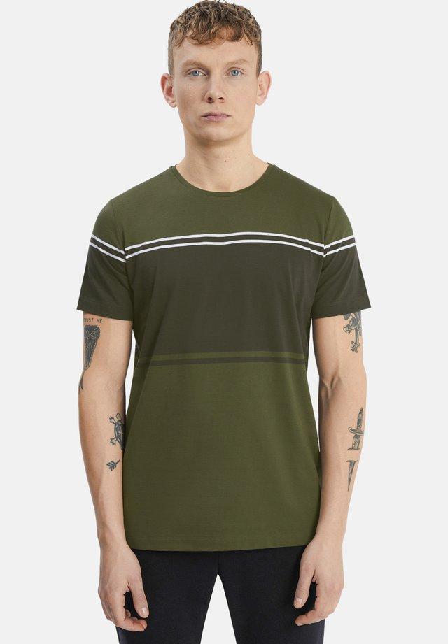 MAJERMANE  - T-shirt print - olive night