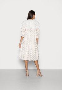 Love Copenhagen - DOTTA DRESS - Skjortekjole - white - 2