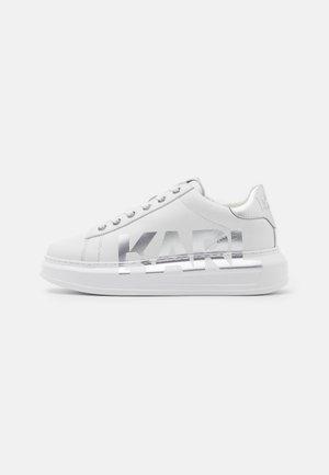 KAPRI LOGO - Zapatillas - white/silver