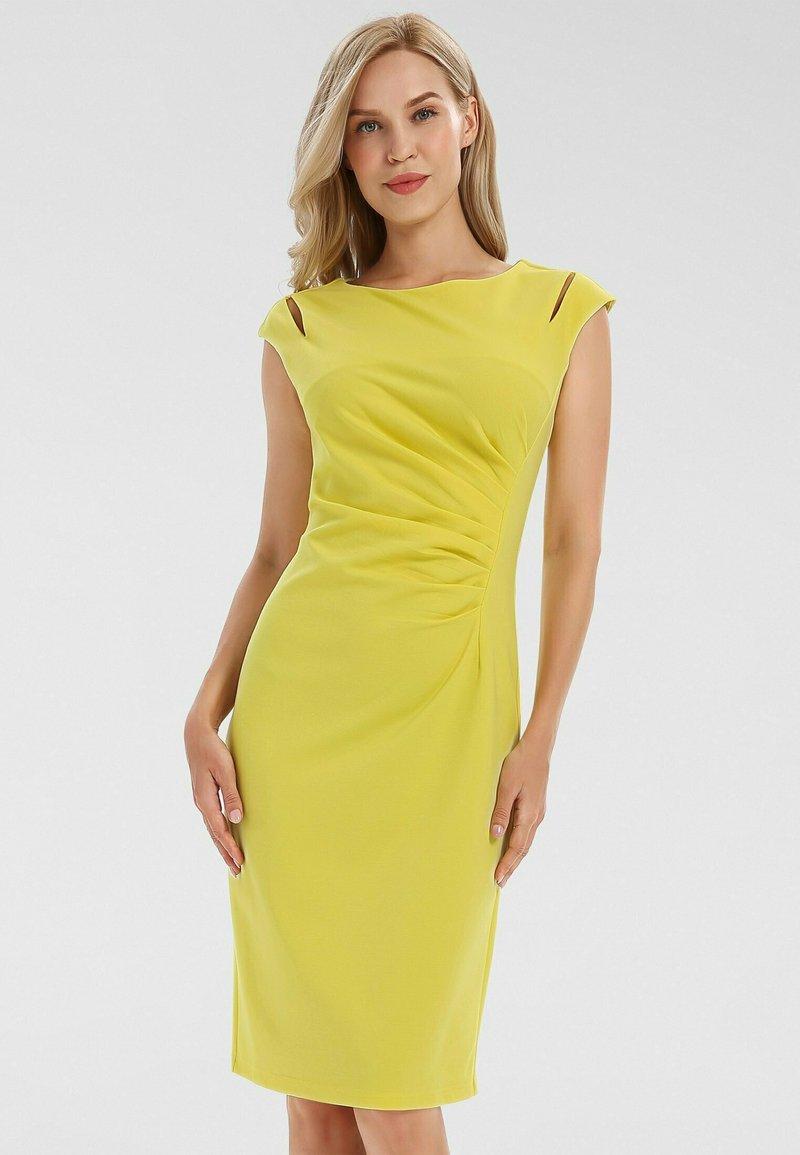 Apart - Robe fourreau - gelb