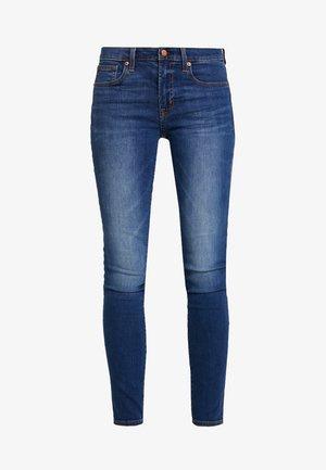 CHARLOTTE - Skinny džíny - medium indigo